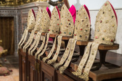 Католическая клерикальная крышка, митра Стоковая Фотография
