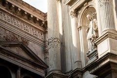 Католическая религиозная статуя Св. Лаврентия Giustiniani на faca стоковые изображения rf