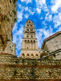 католическая Хорватия сперва ввела массового священника разделенного к диалект кто Diocletian& x27; дворец s Стоковое Изображение RF