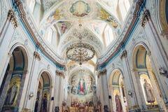 Католическая церковь изображения греческая в маленьком городе Стоковое фото RF