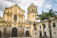 Католический собор в белом городе popayan Колумбии Южной Америке стоковое фото