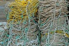 Катушки веревочки на английском quayside Стоковое фото RF
