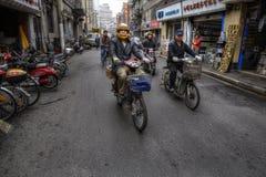 2-катят моторизованные корабли на улице в Шанхае, Китае Стоковая Фотография