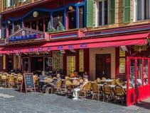 Кафа улицы в среднеземноморском доме в славной Франции Стоковая Фотография RF