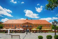 Кафе дома города и города в Sombor в центре Стоковые Фото
