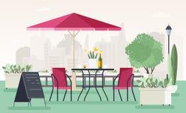 Кафе или ресторан тротуара при таблица, стулья, зонтик, в горшке заводы и радушная доска стоя на улице против иллюстрация штока