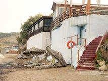 кафе на пляже, деревне Scaletta Стоковое фото RF