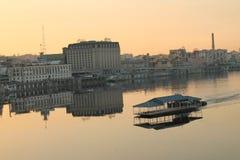 Кафе реки Стоковая Фотография