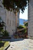 Кафе улицы в старом городке, Черногории Стоковая Фотография RF