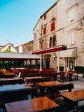 Кафе улицы Кафе в Черногории Стоковые Изображения RF
