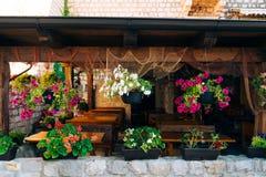 Кафе улицы Кафе в Черногории Стоковые Фото