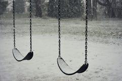 Качание установленное в снег Стоковая Фотография