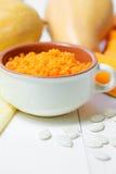 Каша тыквы изолированная осенью белизна тыквы Еда осени еда здоровая Стоковые Фотографии RF