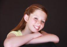 каштановая милая девушка с волосами Стоковое Изображение