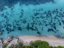 2 каяка на одичалом пляже Стоковое Изображение