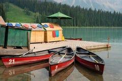 Каяки в Banff ДО РОЖДЕСТВА ХРИСТОВА стоковое изображение