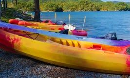 Каяки на резервуаре бухты Carvins, Roanoke, Вирджинии, США Стоковые Фото