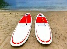 Каяки на тропическом пляже Стоковое Изображение