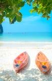 Каяк на пляже Стоковое Изображение