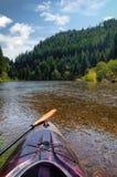 Каяк на реке Yakima стоковое фото