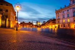 Квадрат ночи в старом городке в зоне замка Праги взгляд городка республики cesky чехословакского krumlov средневековый старый Стоковое Изображение