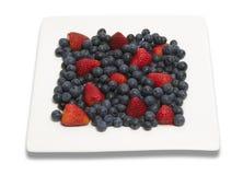 квадрат плиты ягод Стоковое фото RF