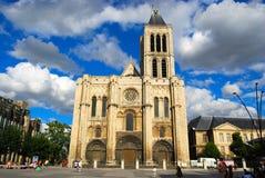 квадрат святой denis базилики главным образом Стоковое Изображение