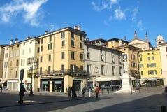 квадрат loggia здания brescia стоковое изображение rf