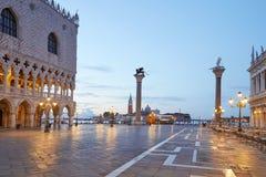 Квадрат St Mark, никто в раннем утре в Венеции стоковая фотография rf