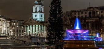 Квадрат Trafalgar во времени рождества, Лондон Стоковое фото RF
