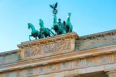 Квадрига на Бранденбургских воротах в центре Берлина стоковые фотографии rf