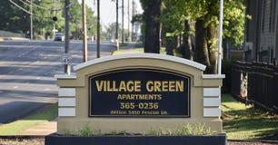 Квартиры зеленого цвета деревни, Мемфис, TN стоковые фотографии rf