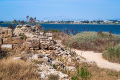 Квартиры соли Mozia и старая ветрянка в Marsala, Сицилии стоковые изображения