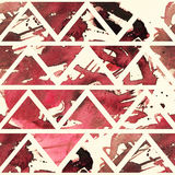 Квадратная безшовная текстура с красной и темной - красная freehand щетка брызгает и пятна в геометрической картине треугольников иллюстрация вектора