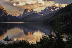 Квадратная верхняя гора и более низкое озеро Green River стоковая фотография rf