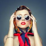 Квадратное изображение девушки в головном платке Стоковые Фото