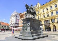 Квадратный запрет Josip Jelacic с туристами и трамваями на летний день в Загребе Стоковое фото RF