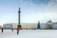 Квадрат дворца в Санкт-Петербурге России Стоковое Изображение