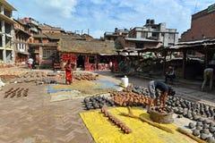 Квадрат гончарни Bhaktapur. Катманду, Непал Стоковое Изображение RF