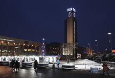 Квадрат железнодорожного вокзала Риги на Новом Годе стоковые фотографии rf