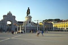 Квадрат коммерции (Praca делает Comercio) в Лиссабоне Стоковые Изображения