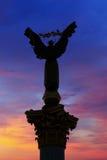 Квадрат независимости на ноче Стоковые Фото