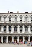 Квадрат Сан Marco с туристами стоковые фото