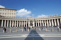 квадрат святой peter колоннады Стоковое Фото