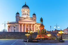 Квадрат сената вечера, Хельсинки, Финляндия стоковое изображение