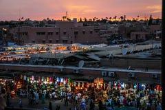 квадрат fna el djemaa marrakesh Марокко стоковые фото