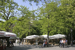 Квадрат Viktualienmarkt в Мюнхене, Баварии Стоковое фото RF
