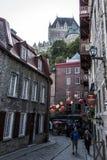 Квебек (город) Канада 13 09 2017 более низкий старый городок Basse-Ville и замок Frontenac в предпосылке Стоковые Изображения