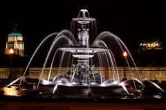 Fontaine de Tourny к ноча в Квебеке (город), Канаде Стоковое Фото