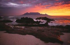 Кейптаун - заход солнца горы таблицы Стоковые Фотографии RF